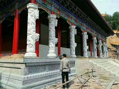 芝麻白寺庙龙柱