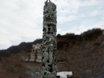 寺庙花岗岩龙柱