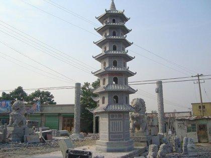 青石寺庙石塔