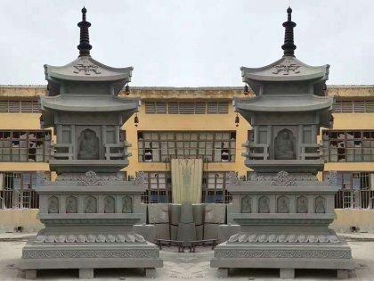 小型寺庙石塔