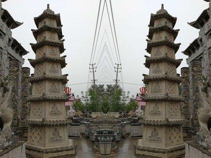 七层寺庙石塔