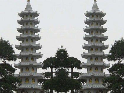 花岗岩寺庙石塔