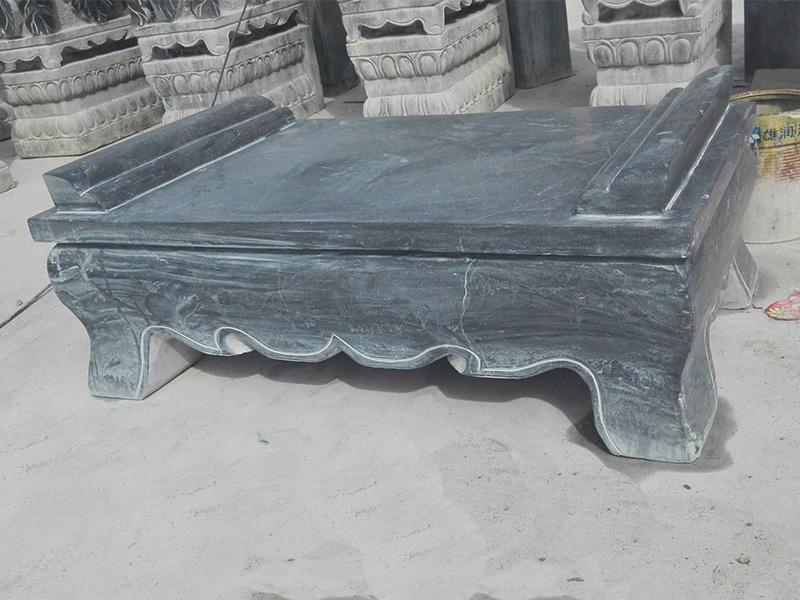 寺院雕刻供桌
