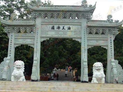 三门三楼寺庙大门