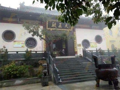 寺院大殿石雕香炉